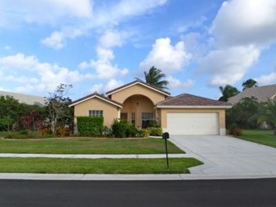 Boynton Beach Single Family Home For Sale: 8624 Rosalie Court