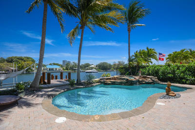 North Palm Beach Single Family Home For Sale: 702 Sandy Point Lane