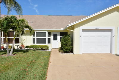 Hobe Sound Single Family Home Contingent: 10849 SE SEa Pines Circle
