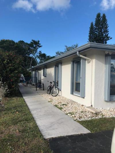 Lake Worth Townhouse For Sale: 7548 Deuce Lane