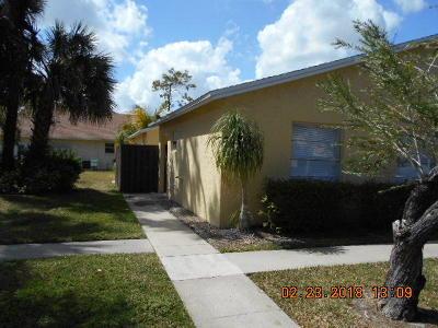 Royal Palm Beach Single Family Home For Sale: 200 Sparrow Drive #1