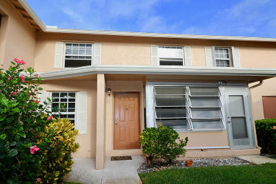 Palm Beach Gardens FL Townhouse For Sale: $135,000
