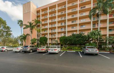 Delray Beach Condo For Sale: 7290 Kinghurst Drive #101
