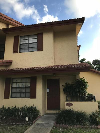 Coral Springs Townhouse For Sale: 10908 W Sample Road #E4