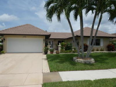 Boynton Beach Single Family Home For Sale: 10265 Greentrail Drive
