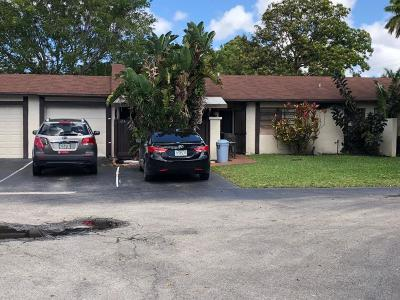 Royal Palm Beach Single Family Home Contingent: 24 Horicon Court #24