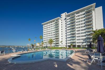 Boca Raton Condo Sold: 701 E Camino Real #9 - E