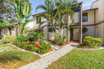 Jupiter Condo For Sale: 126 Sherwood Circle #12b