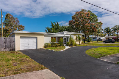 Deerfield Beach Single Family Home For Sale: 1321 SE 10th Street