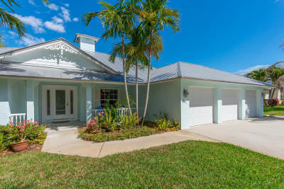 Jensen Beach Single Family Home For Sale: 381 NE Julia Court