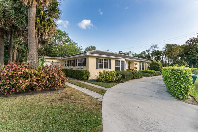 Palm Beach Single Family Home For Sale: 1585 Lake Way