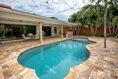 Palm Beach County Single Family Home For Sale: 784 Sevilla Drive