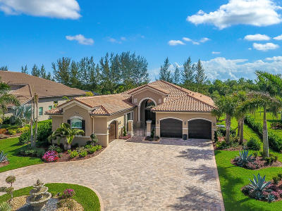 West Palm Beach Single Family Home For Sale: 7702 Maywood Crest Drive