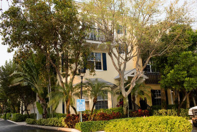 West Palm Beach Townhouse For Sale: 351 Flamingo Drive