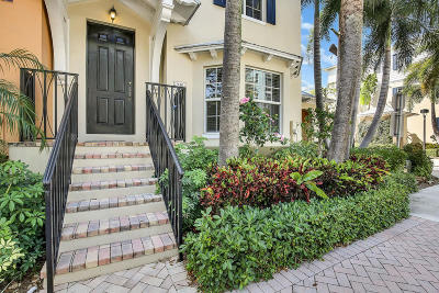 Delray Beach Townhouse For Sale: 349 E Mallory Circle