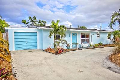 Jensen Beach Single Family Home Contingent: 2811 NE Savannah Road