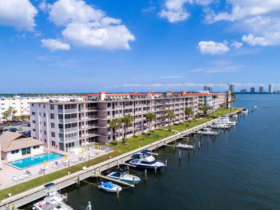 North Palm Beach Condo For Sale: 104 Paradise Harbour Boulevard #501