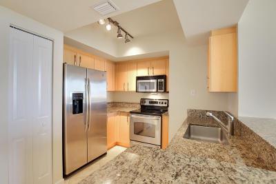 Metropolitan Condo For Sale: 403 S Sapodilla Avenue #401