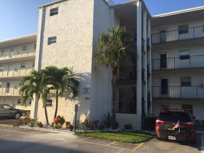 Palm Springs Condo For Sale: 725 Lori Drive #202