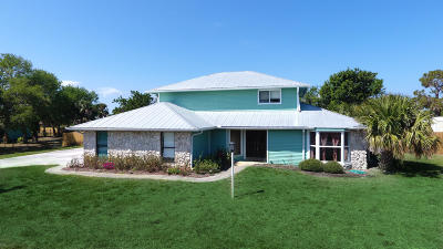 Jensen Beach Single Family Home For Sale: 12742 Refuge Lane