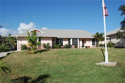 Jensen Beach Single Family Home For Sale: 3764 NE Barbara Drive