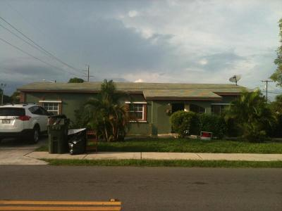 Delray Beach Single Family Home For Sale: 1111 SW 4th Street