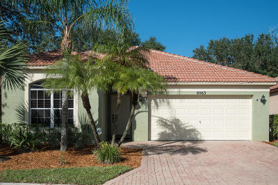 Riviera Beach Single Family Home For Sale: 8063 Via Hacienda