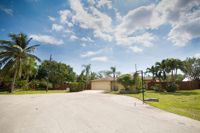 Delray Beach Single Family Home For Sale: 502 Sunshine Drive