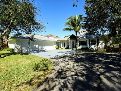 Jupiter Single Family Home For Sale: 19183 SE Jupiter River Drive