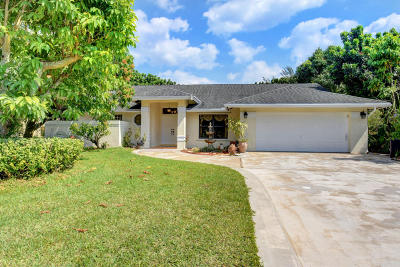 West Palm Beach Single Family Home For Sale: 384 Westwood Circle W