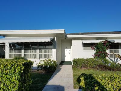 Lantana Single Family Home For Sale: 7261 E Oakridge Circle