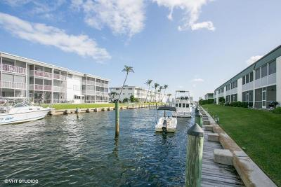 North Palm Beach Condo For Sale: 109 Wettaw Ln #206