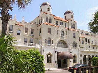 Palm Beach Condo For Sale: 235 Sunrise Avenue #1001