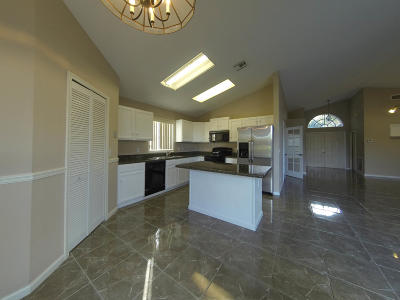 West Palm Beach Single Family Home For Sale: 4343 Leicester Court