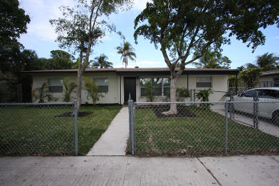 Lake Worth Single Family Home For Sale: 801 Snowden Drive