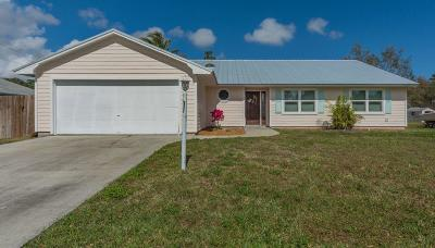 Vero Beach Single Family Home For Sale: 1586 19th Place SW
