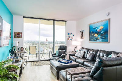 Boynton Beach Condo For Sale: 350 Federal Highway #1414