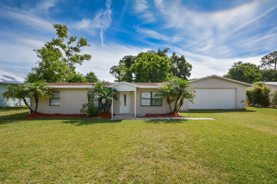 Palm City Single Family Home Contingent: 1026 SW 37th Street