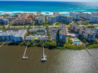 South Palm Beach Townhouse Sold: 3543 S Ocean Boulevard #105