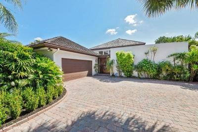 Boca Raton Single Family Home For Sale: 6844 Woodbridge Drive