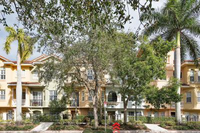 Palm Beach Gardens Townhouse For Sale: 11758 Valencia Gardens Ave