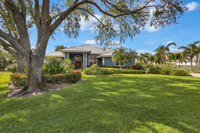 Tequesta Single Family Home Contingent: 18690 SE Lakeside Way