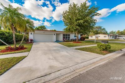 Delray Beach Single Family Home For Sale: 6416 Sagewood Way
