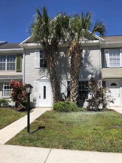 Jupiter Townhouse For Sale: 205 Old English Drive