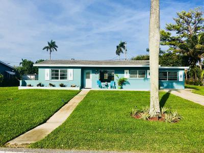 Lake Worth Single Family Home For Sale: 5438 Lake Osborne Drive