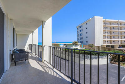 Tequesta Condo For Sale: 300 Beach Road #205