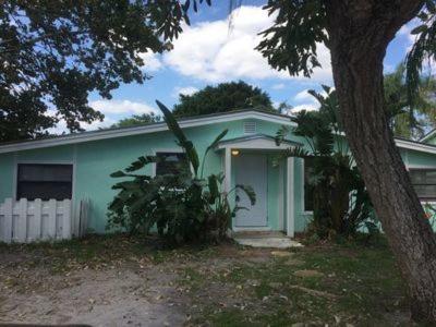 Stuart Single Family Home For Sale: 3151 SE Hibiscus Street