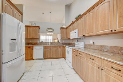 Delray Beach Single Family Home For Sale: 6223 Heliconia Road