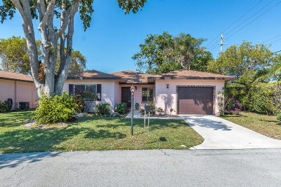 Delray Beach Single Family Home For Sale: 14656 Bonaire Boulevard