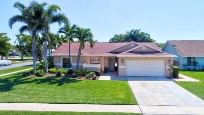 Boynton Beach Single Family Home For Sale: 65 Cedar Lane